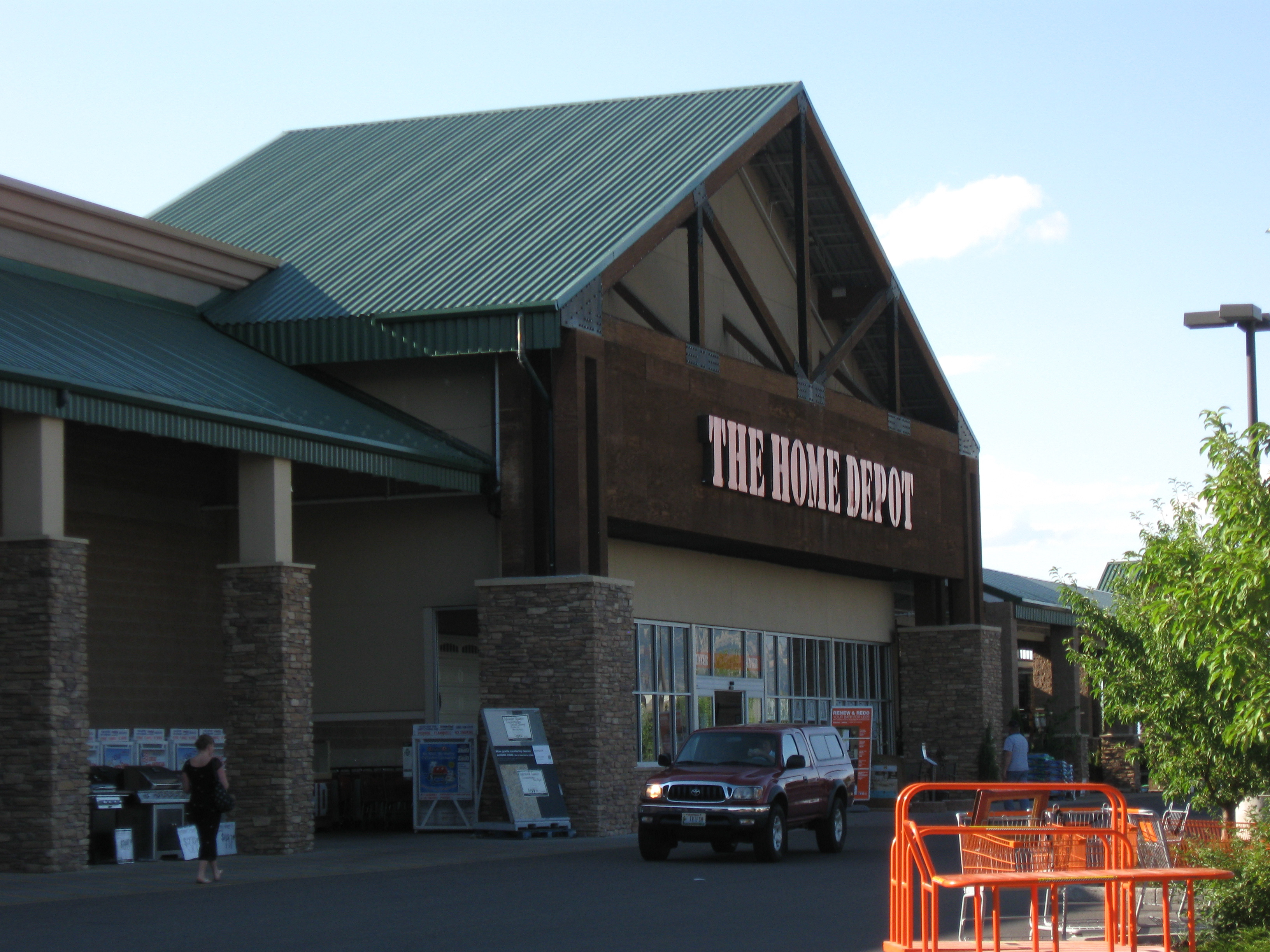 IMG_4216.jpg - Even the Home Depot looks rustic in Bozeman